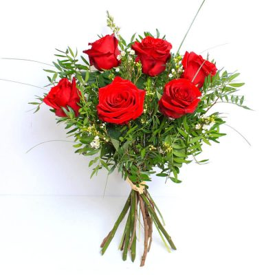 6 red roses